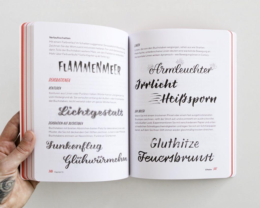 """Doppelseite aus dem Kapitel """"Effekte"""", """"Praxisbuch Brush Lettering"""" von Chris Campe"""