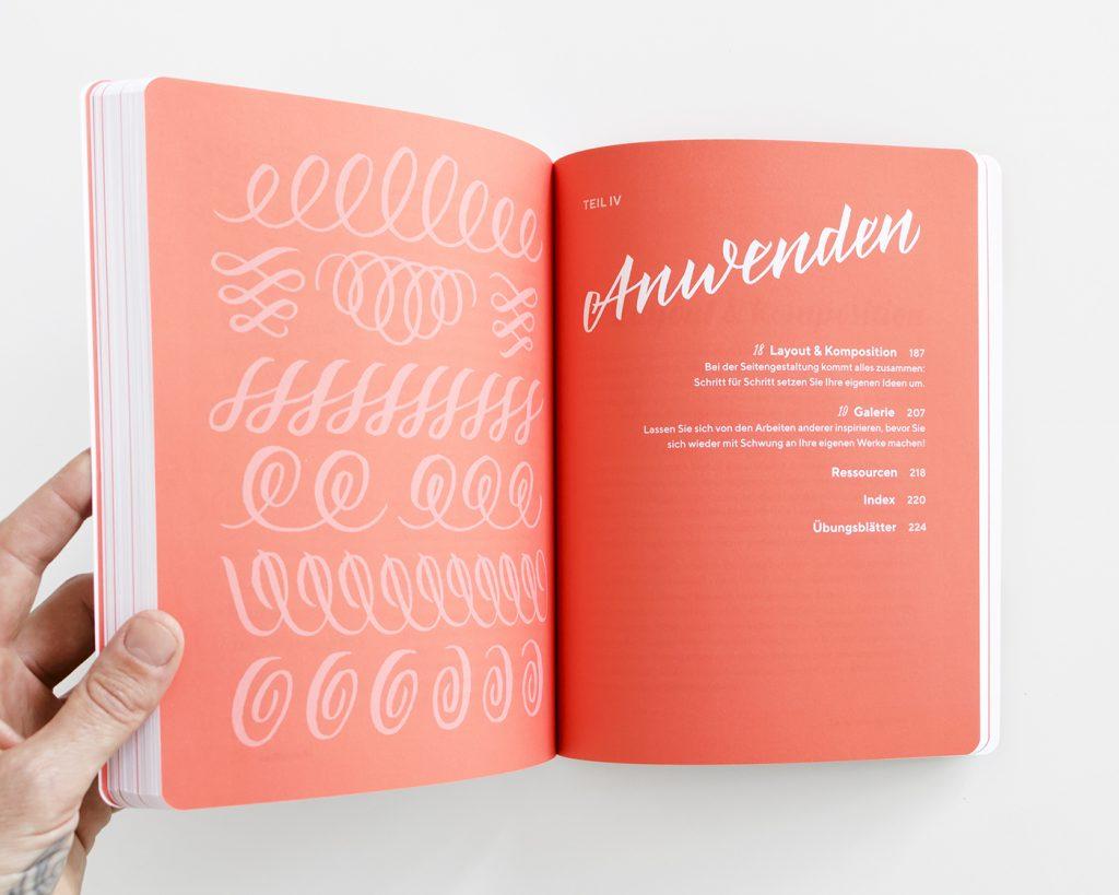 """Kapitelaufmacher Teil 4 """"Anwenden"""" aus dem """"Praxisbuch Brush Lettering"""" von Chris Campe"""